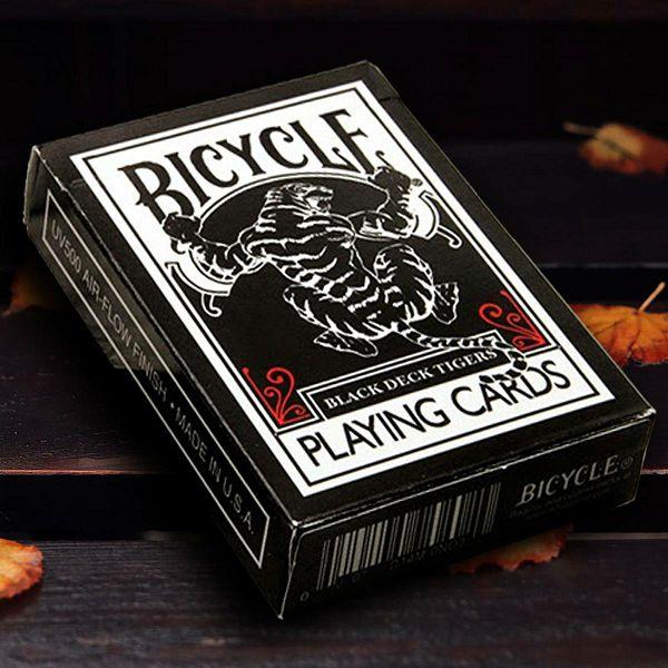 Bicycle Black Tiger Red Pips